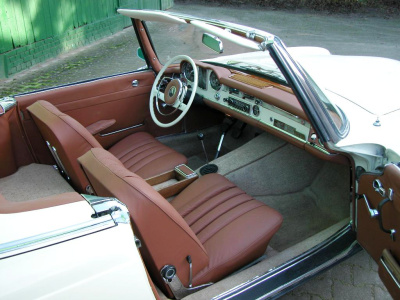 Mercedes 230 SL, interior