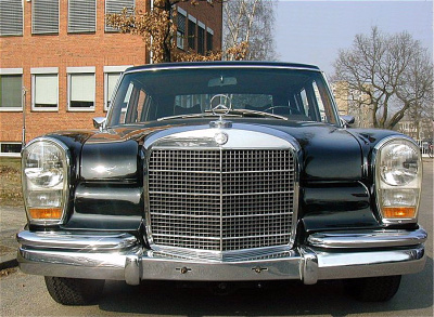 Mercedes 600, front